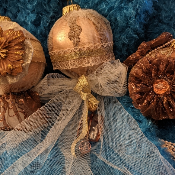 Fancy Rose Gold Christmas Ornaments